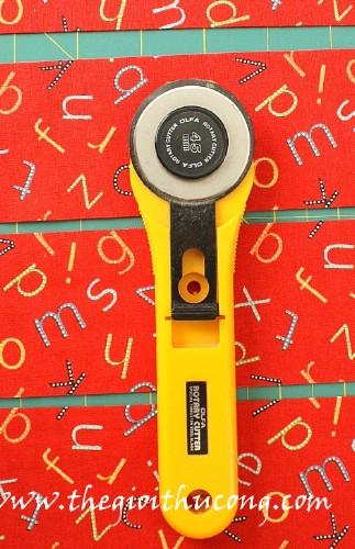 Dụng cụ cắt vải xoay tròn ( rotary cutter)